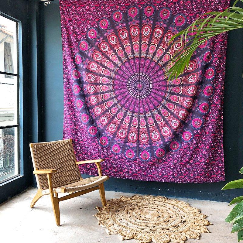 Thảm treo tường họa tiết Mandala không chỉ là vật phẩm trang trí