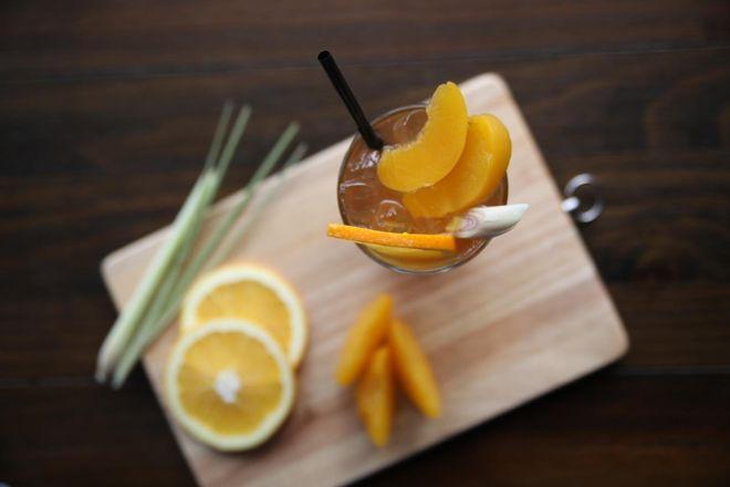 Cách làm trà đào cam sả3